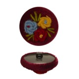 Пуговица пластиковая, велюр+вышивка, 44L, цвет бордо+разноцветный
