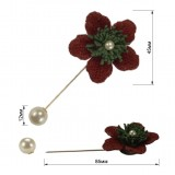 Брошь-шпилька, цветок вязанный, цвет красный+зеленый+жемчуг